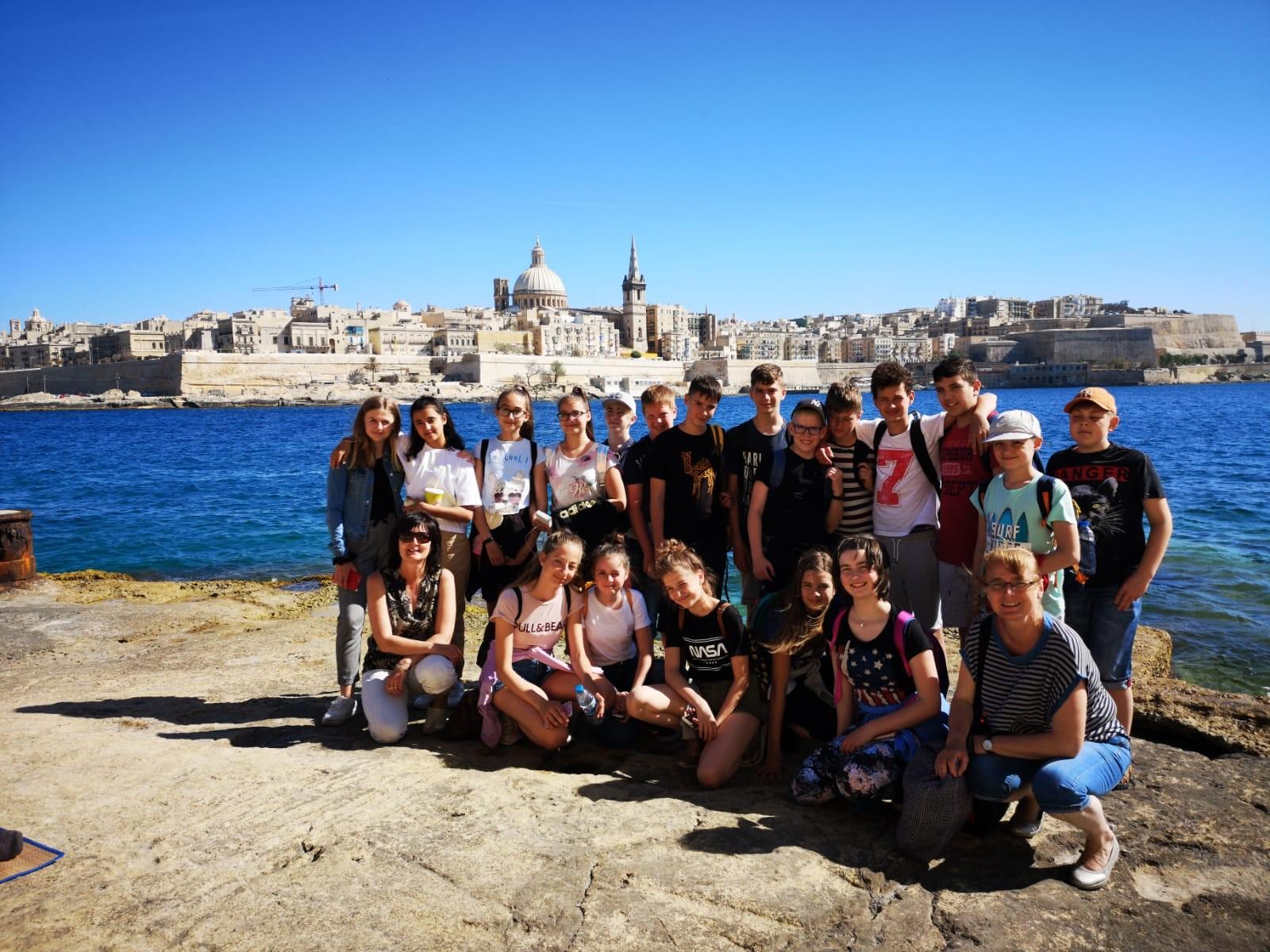 English school Malta junior programmes teenagers courses angol nyelvtanfolyamok tizenéveseknek cours d'anglais pour adolescents курсы английского языка для подростков