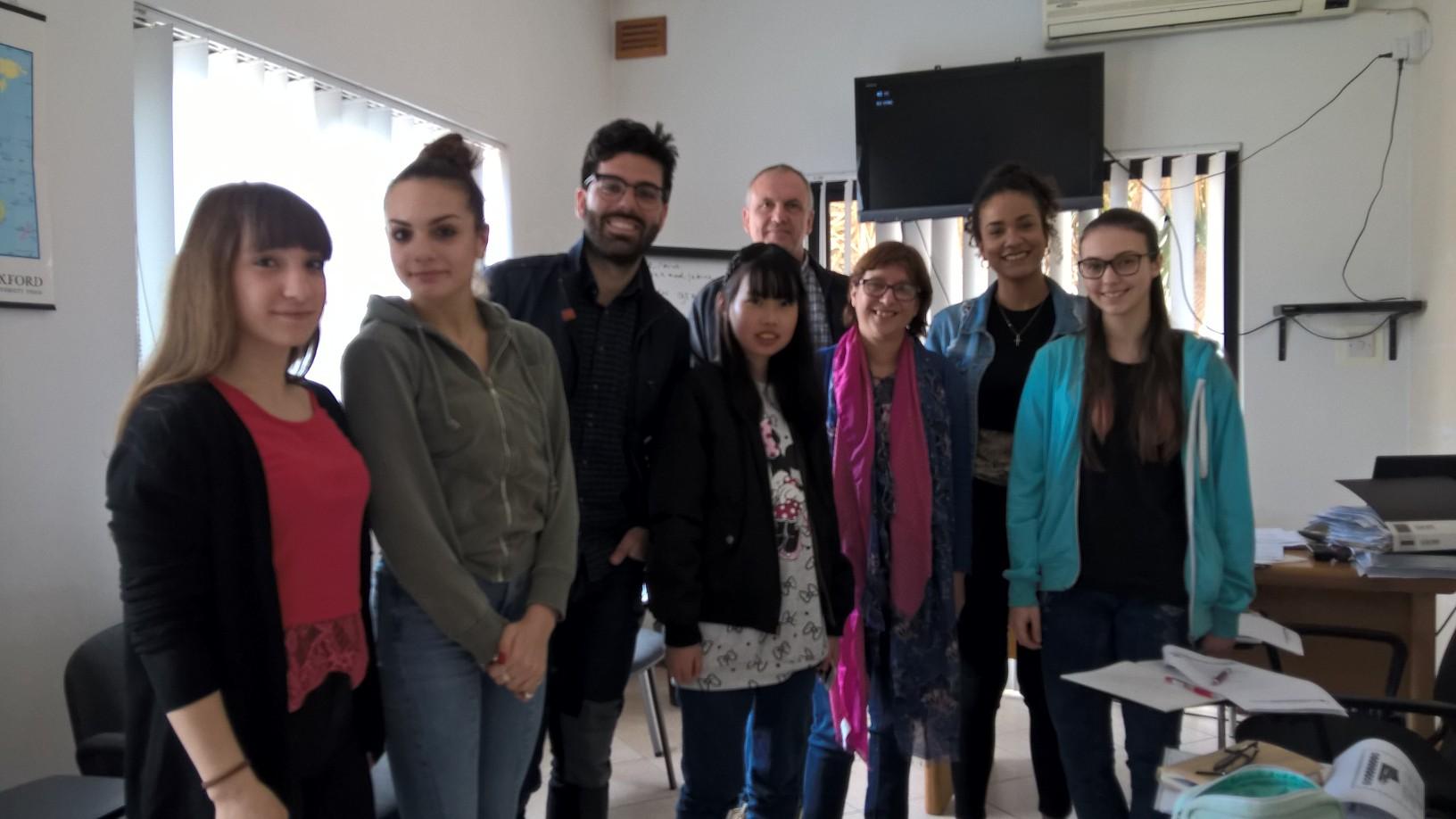 anglické kurzy pro dospělé studenty na Maltě skvělý cíl studovat angličtinu a relaxovat