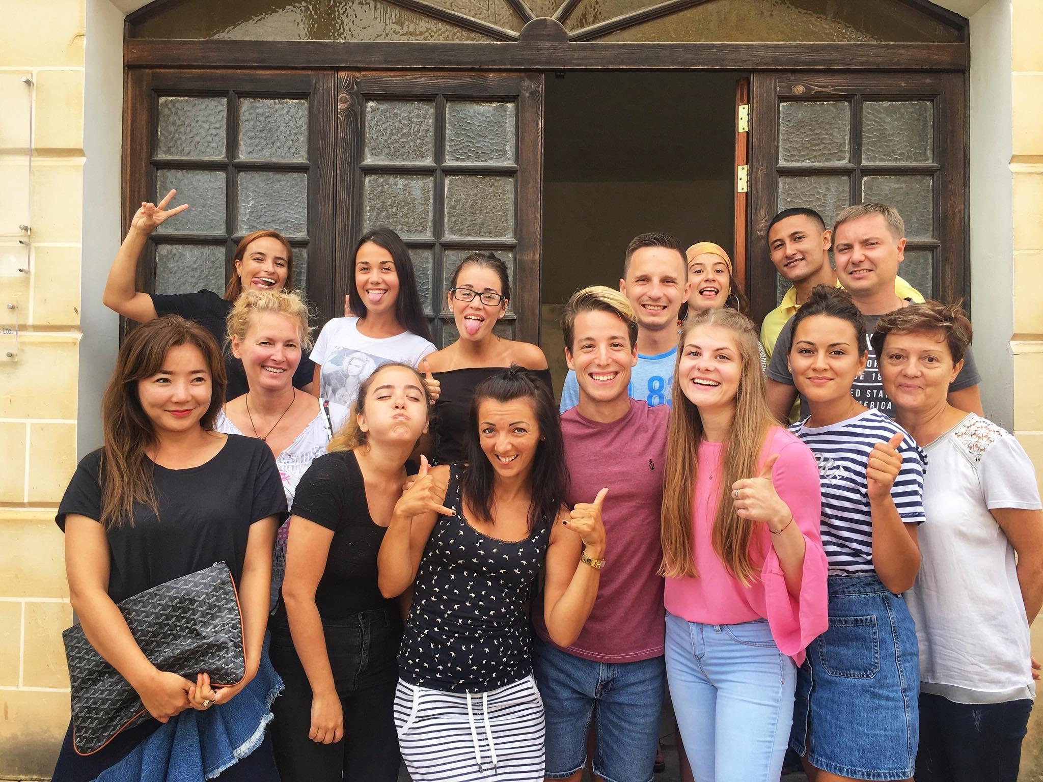 GSE Malta Dil Okulu Genel Ingilizce Kurslari Ogrencilerimiz ders bitiminde iken