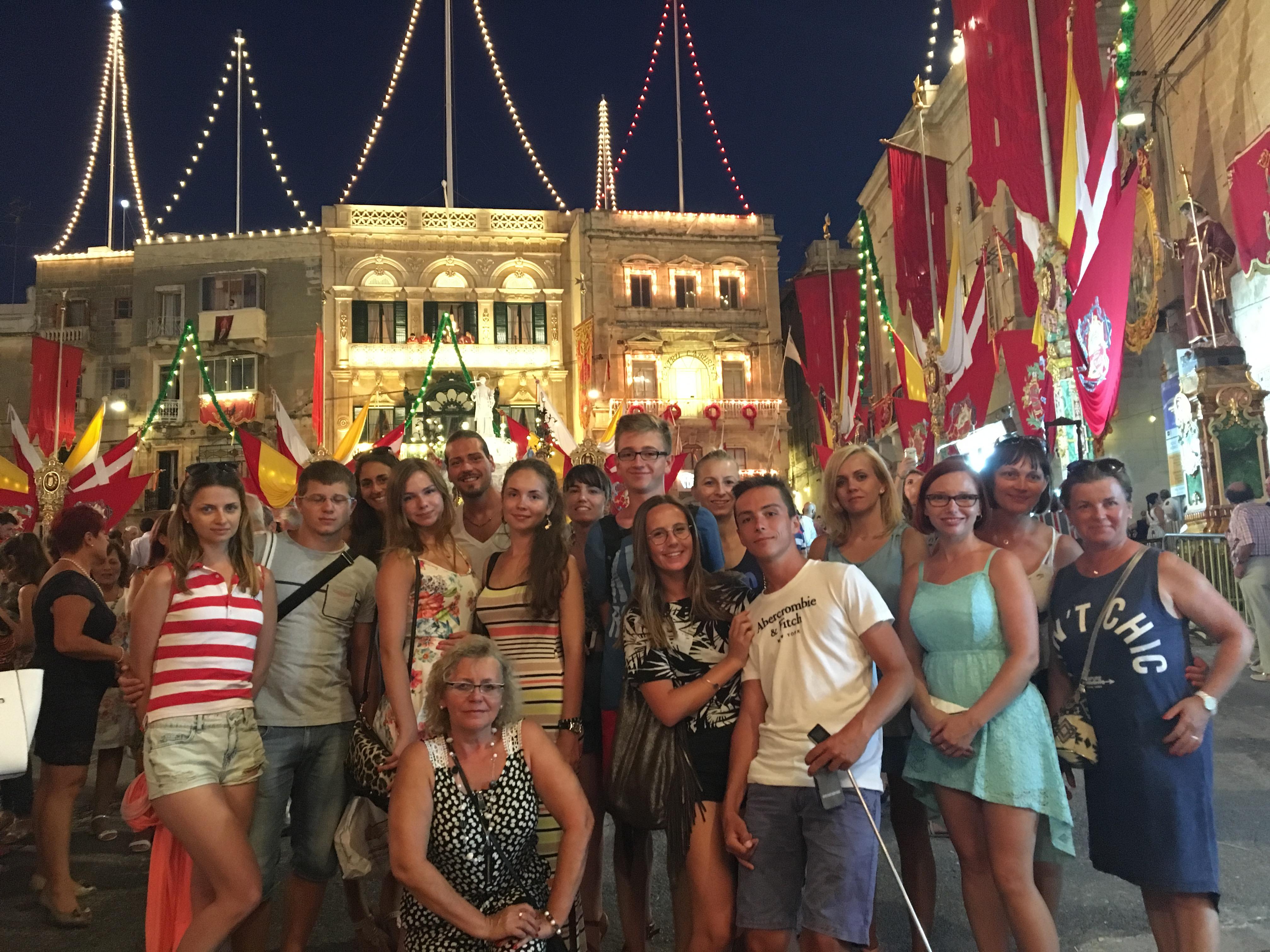 GSE Malta Dil Okulu Ogrencilerimiz ile Festival Gecesinde iken