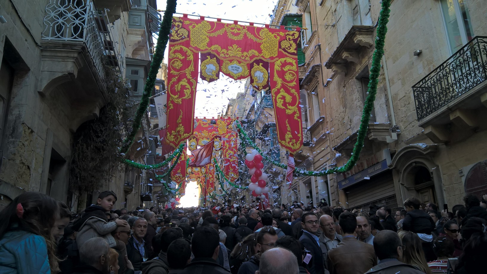 GSE Malta Ingilizce Dil Okulu Ogrencilerimizle Kis Valletta Festivali'de iken