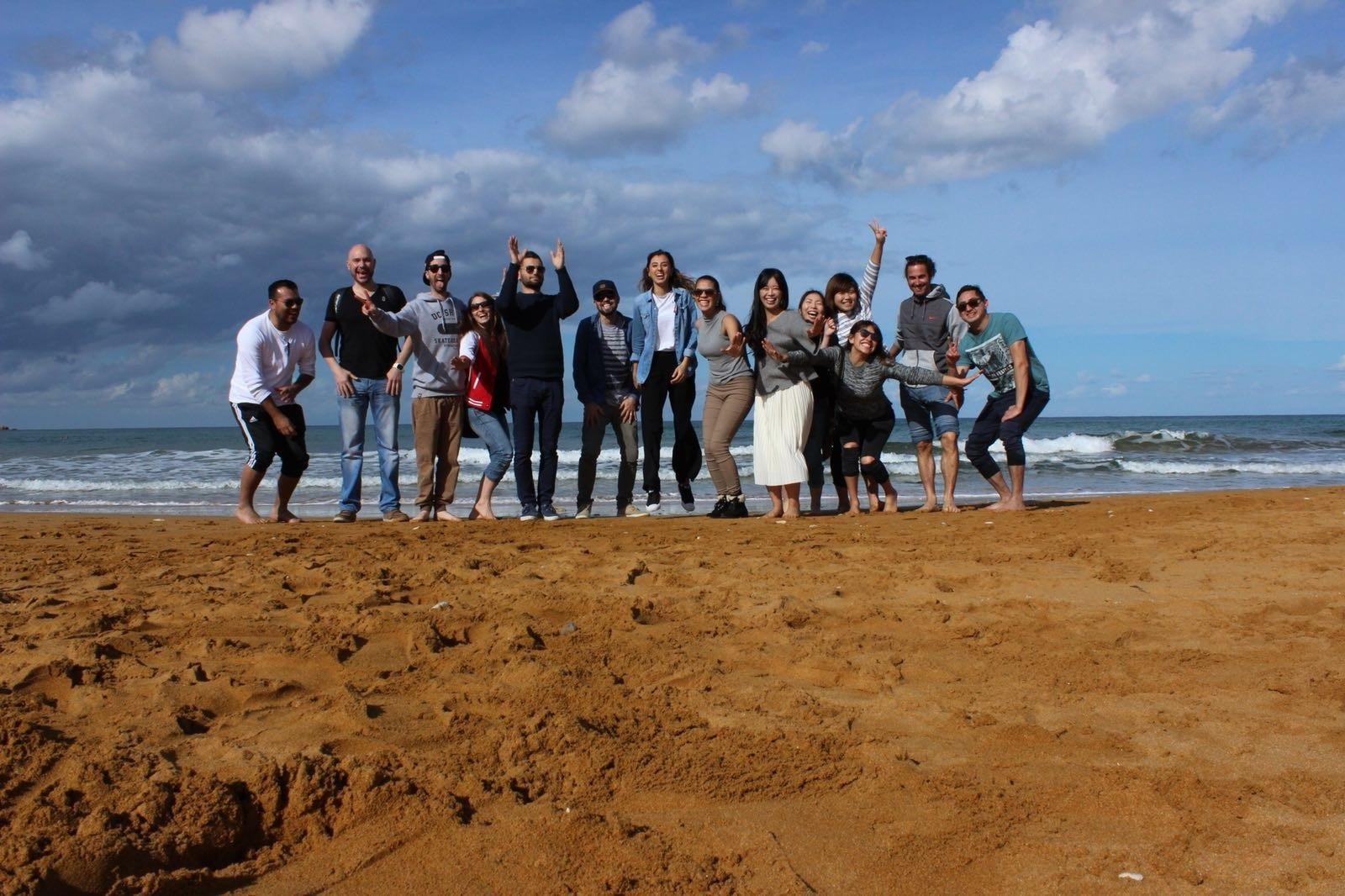 Estudiantes de todo el mundo de GSE en la playa