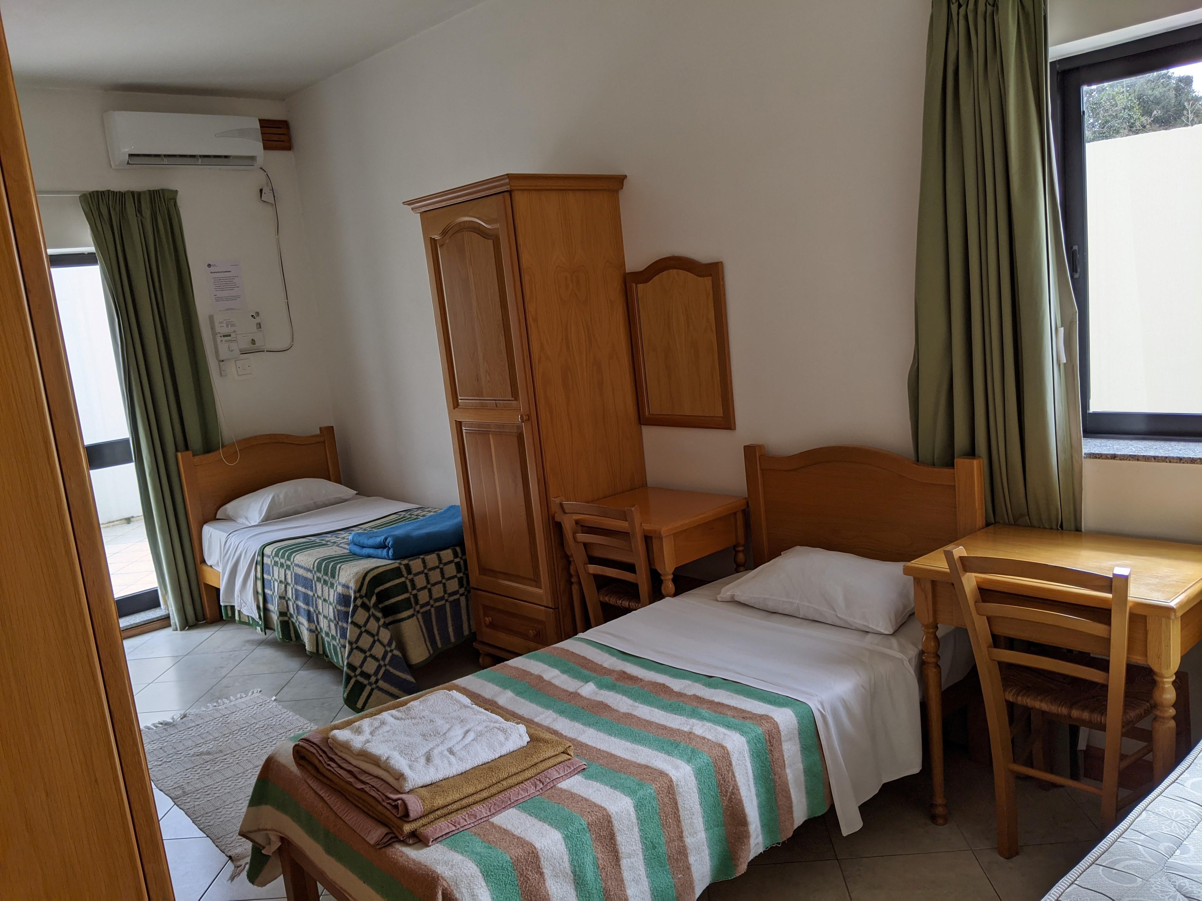 Gateway School of English GSE St Julian's School Residence Bedroom Triple Room